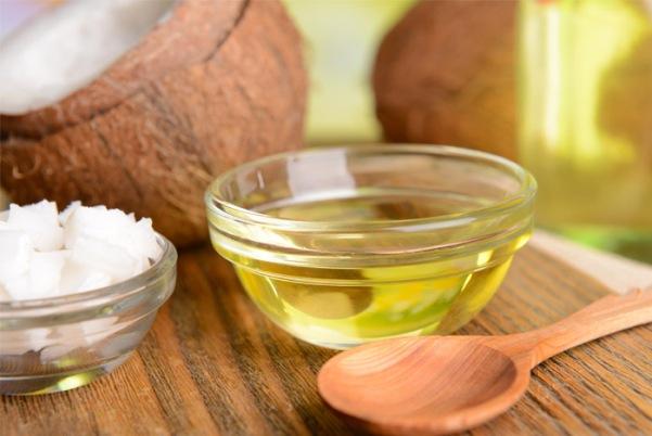 coconut-oil-wooden-sppoon (1).jpg